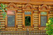 Фото 14 Наличник на окна в деревянном доме: декоративное украшение фасада и 70+ оригинальных примеров
