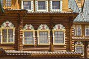 Фото 18 Наличник на окна в деревянном доме: декоративное украшение фасада и 70+ оригинальных примеров