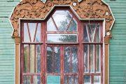 Фото 22 Наличник на окна в деревянном доме: декоративное украшение фасада и 70+ оригинальных примеров