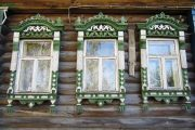 Фото 25 Наличник на окна в деревянном доме: декоративное украшение фасада и 70+ оригинальных примеров