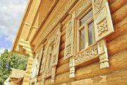 Фото 28 Наличник на окна в деревянном доме: декоративное украшение фасада и 70+ оригинальных примеров