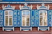 Фото 39 Наличник на окна в деревянном доме: декоративное украшение фасада и 70+ оригинальных примеров