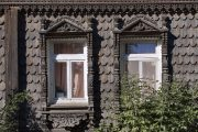 Фото 43 Наличник на окна в деревянном доме: декоративное украшение фасада и 70+ оригинальных примеров