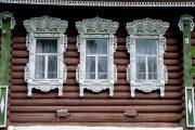 Фото 49 Наличник на окна в деревянном доме: декоративное украшение фасада и 70+ оригинальных примеров