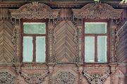 Фото 6 Наличник на окна в деревянном доме: декоративное украшение фасада и 70+ оригинальных примеров