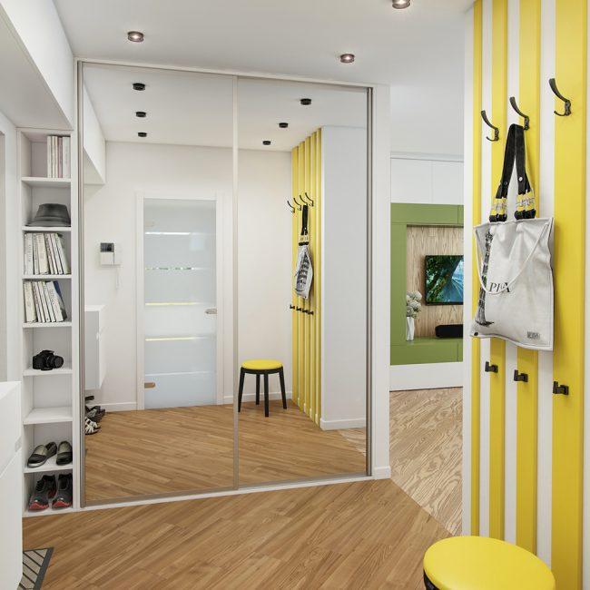 Удобный и красивый шкаф-купе в потолок с зеркальным фасадом