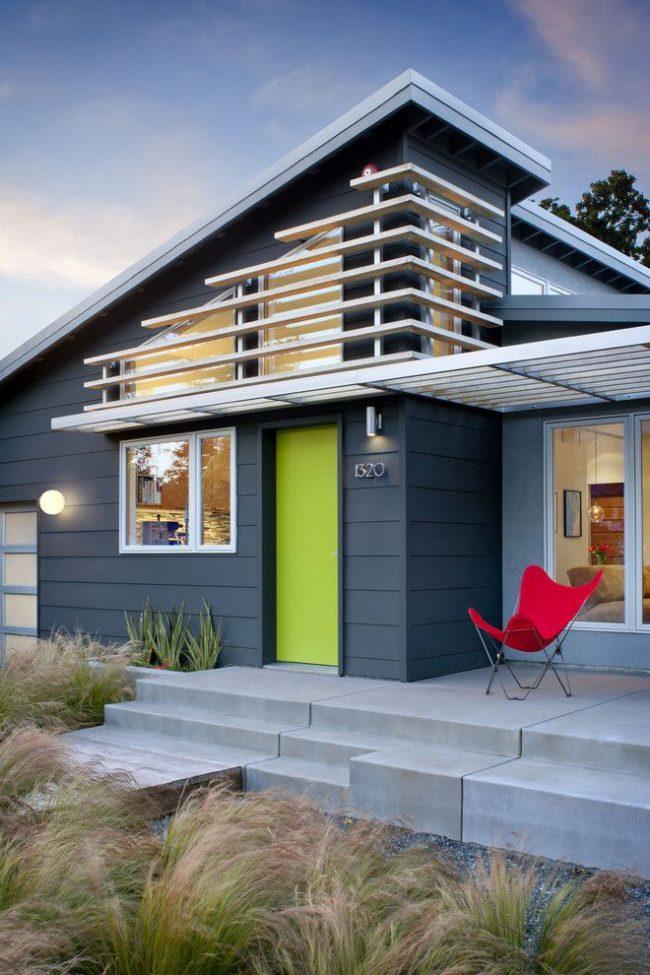 Прямоугольный каркас входной пластиковой двери – наиболее распространенный выбор