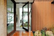 Фото 1 Пластиковые входные двери для частного дома: 70+ стильных и надежных реализаций