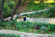 Фото 7 Как использовать подпорные стенки в ландшафтном дизайне: 75+ функциональных и эстетичных идей