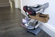 Фото 19 Полки для обуви в прихожую: 70 потрясающих идей для коридора своими руками