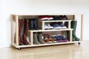 Фото 35 Полки для обуви в прихожую: 70 потрясающих идей для коридора своими руками