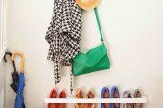 Фото 36 Полки для обуви в прихожую: 70 потрясающих идей для коридора своими руками