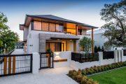 Фото 11 Проекты домов из пеноблоков с гаражом: специфика конструкций и 60+ готовых комфортабельных вариантов