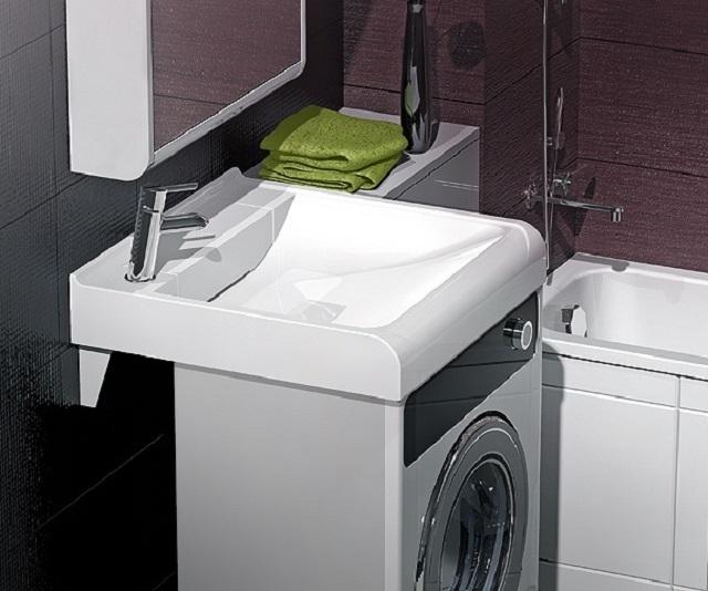 Для узких стиральных машин можно подобрать мойку на 15-20 см шире, и устанавливаем сифон и слив у стены