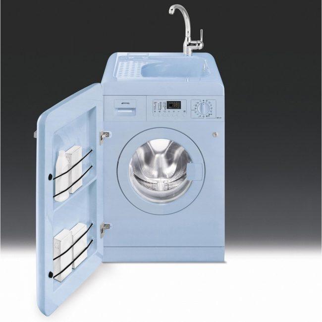 Современная стиральная машина со встроенной раковиной и тумбой для хранения моющих средств