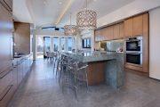 Фото 1 Стол из искусственного камня на кухню: воплощение доступного аристократизма и 70 элегантных вариантов