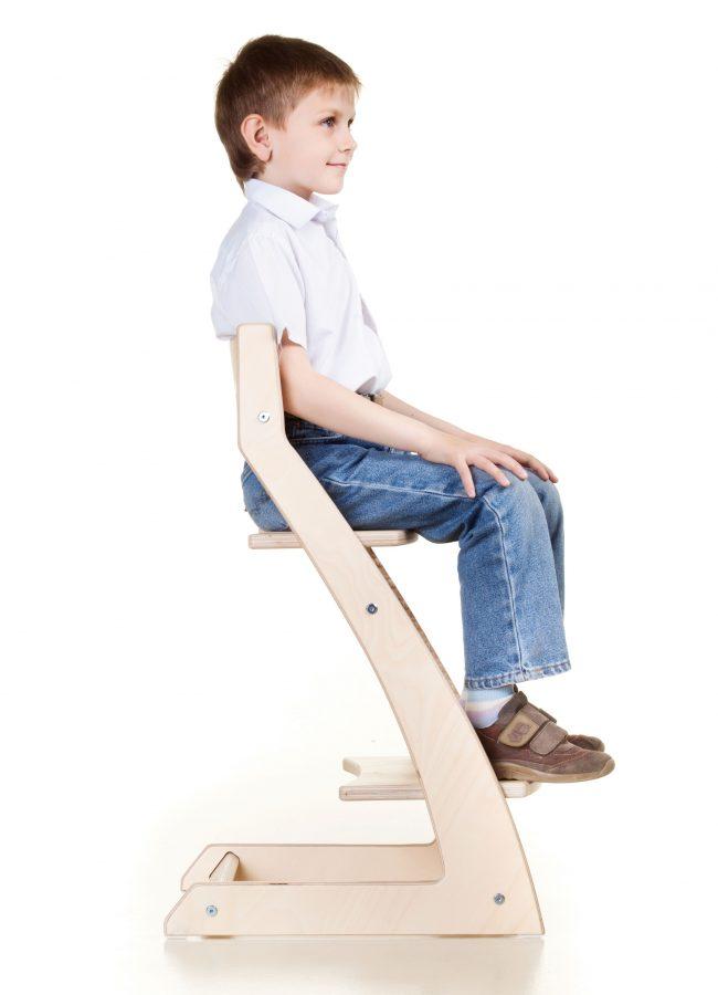 Модель предусматривает правильное расположение тела на стуле