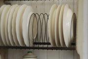 Фото 4 Сушилка для посуды в шкаф: советы по выбору и 70 практичных вариантов для современного интерьера
