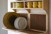 Фото 1 Сушилка для посуды в шкаф: советы по выбору и 70 практичных вариантов для современного интерьера