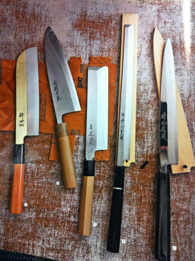 Пять кухонных ножей deba для профессиональной работы с рыбой
