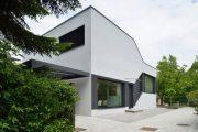 Фото 3 Дом с мезонином: отличия от мансарды и обзор комфортных вариантов планировки