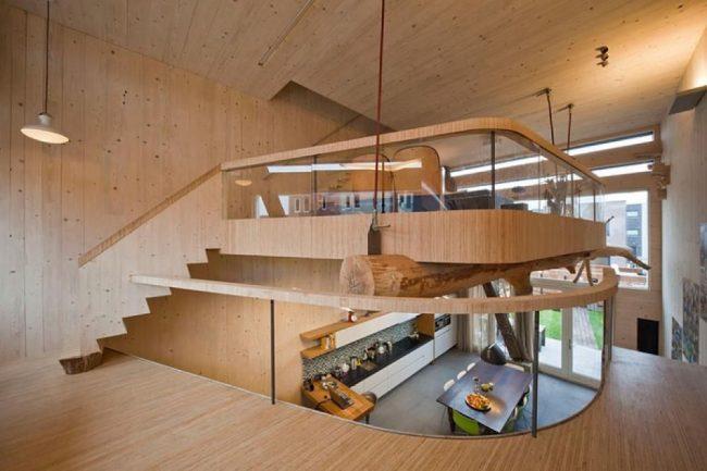 Частный дом с мезонином в стиле эко