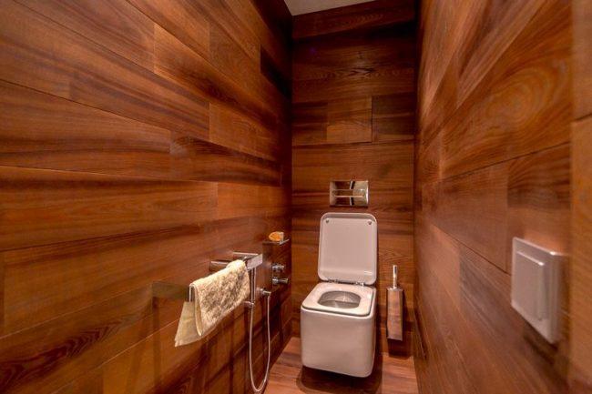 Гигиенический душ является незаменимым для отдельного туалета