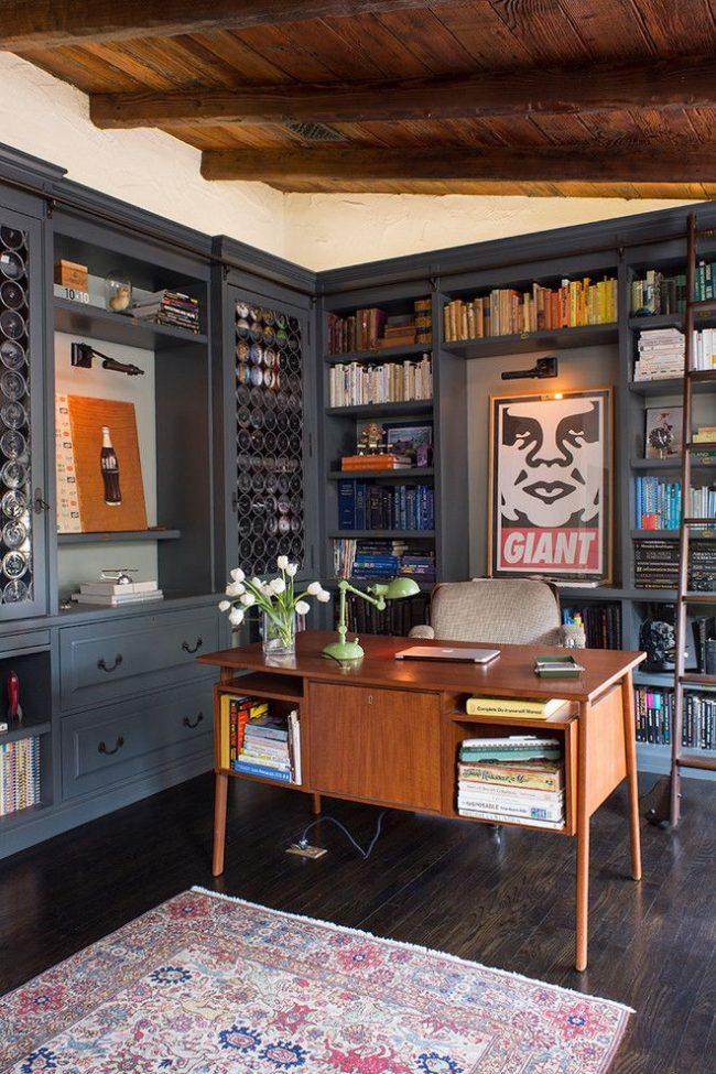Домашний кабинет и библиотека в одном лице