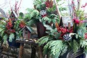 Фото 19 Как украсить сад к Новому году: 80 идей, которые преобразят ландшафтный дизайн вашего дома