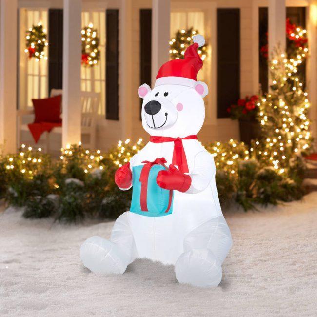 Надувной белый медведь поможет украсить ваш двор