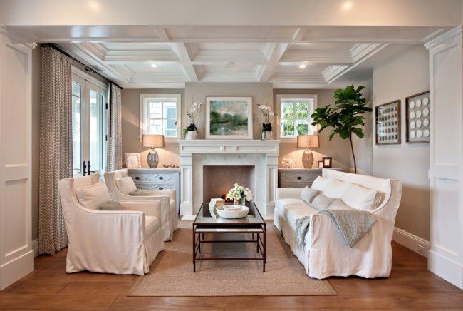 Кессонный потолок лучше устанавливать в помещениях с высокими потолками