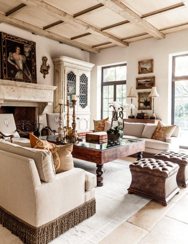 Красивая гостиная в стиле кантри
