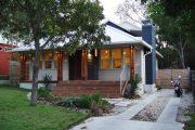 Фото 33 Маленькие дома для постоянного проживания: обзор наиболее комфортных и уютных проектов