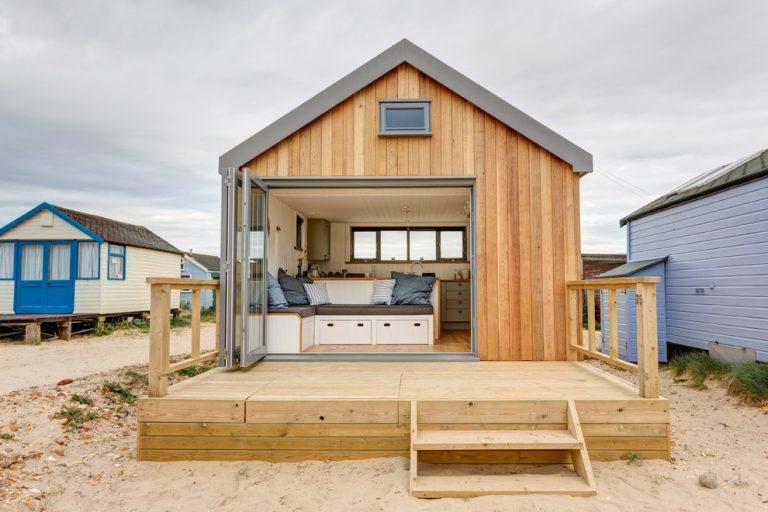 из чего строить дом для постоянного