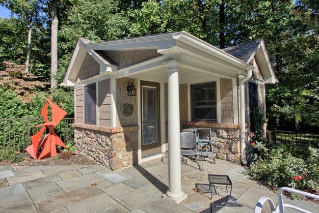 Даже крошечный дом может быть красивым и очень уютным