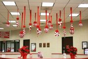 Фото 32 Как украсить офис к Новому году: 80 простых и элегантных вариантов