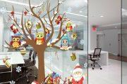 Фото 33 Как украсить офис к Новому 2021 году: 80 простых и элегантных вариантов