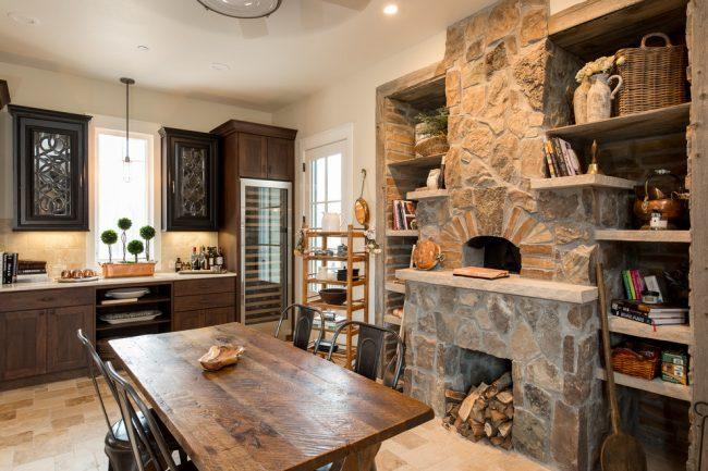Красивая кухня в стиле шале