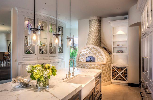 Великолепная отделка печи голландки мозаикой