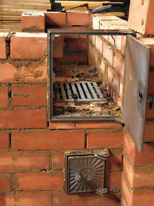 Печь голландка обладает высокой пожаробезопасностью