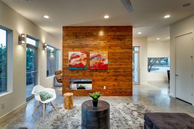 Красивый интерьер однокомнатной квартиры с элементами эко-стиля