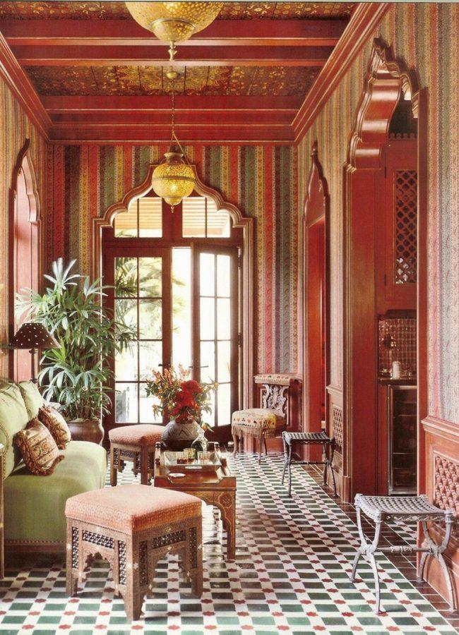 Интерьер в марокканском стиле с плиткой зелидж на полу