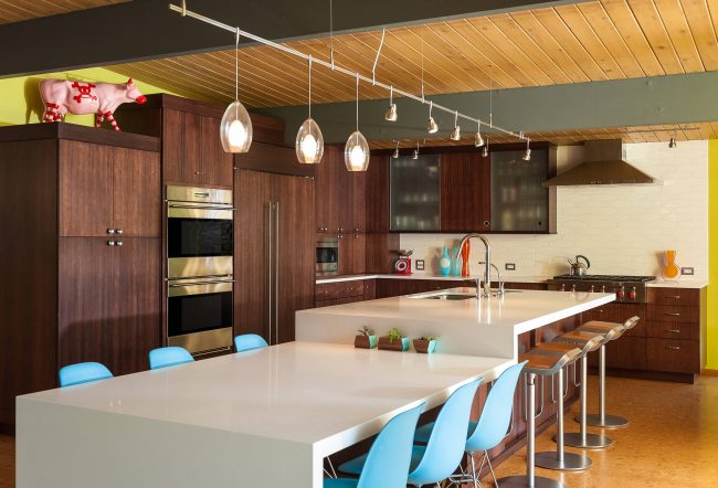 Современные технологии позволяют использовать пробковые полы и на кухне