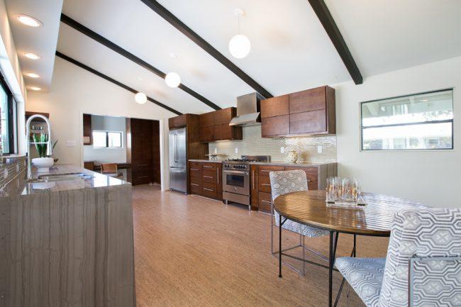 Строгая квартира-студия в современном стиле