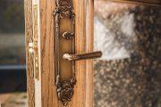 Фото 5 Ручка с замком для межкомнатных дверей: особенности конструкций и установка своими руками