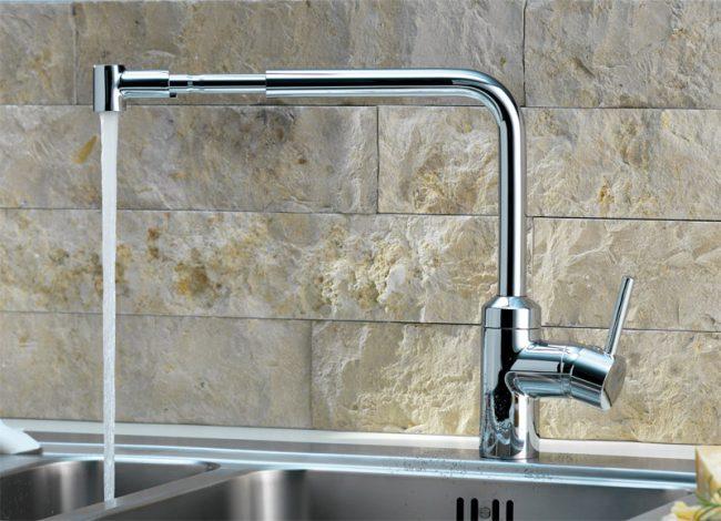 Смесители с длинным изливом часто используются и на кухнях