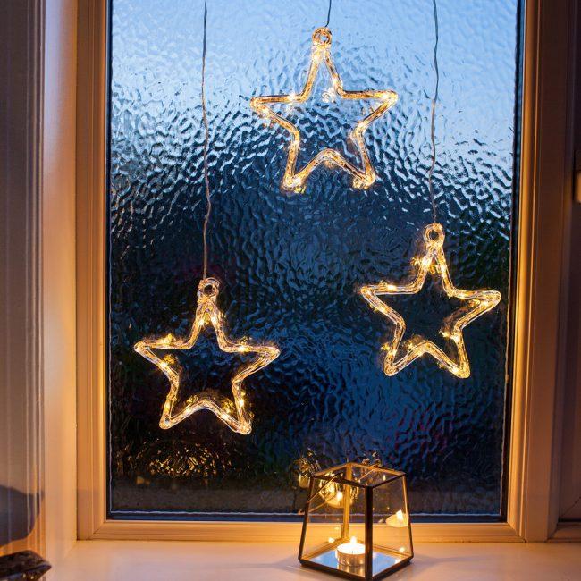 Звезды со светодиодами для новогоднего декора окна