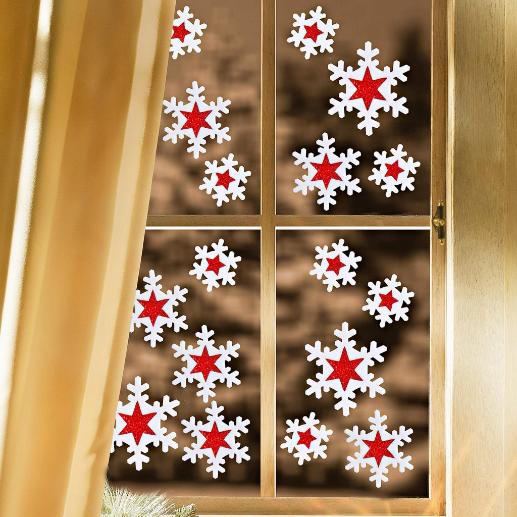 Как украсить окно к новому году своими руками с