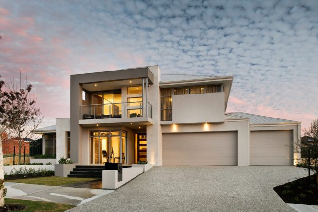 Бежевый двухэтажный дом в современном стиле
