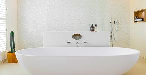 Белая мозаика в ванной комнате: 80+ интерьерных воплощений цветового пуризма и чистоты фото